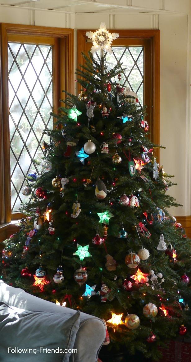 Following-Friends.com Christmas Tree