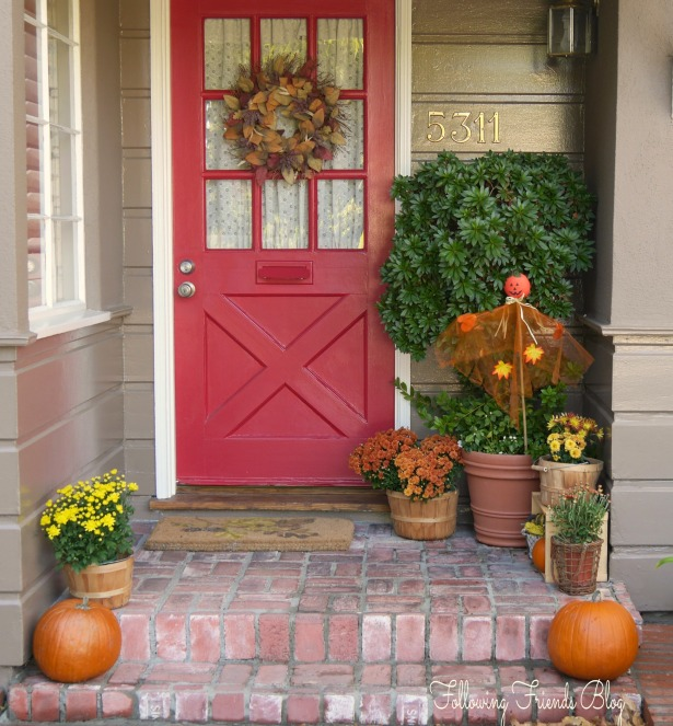Fall Front Porch - Following Friends Blog