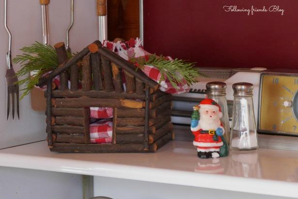 Kitchen Stove Santa
