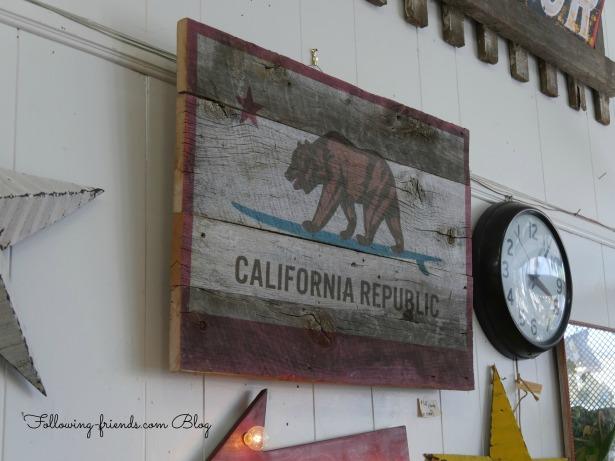 Carpenteria California Flag